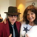 Man mag sich: Udo Lindenbergs Songtexterin Beatrice Reszat mit Lindenberg Double Karsten Bald bei einem Benefiz-Event in Essen
