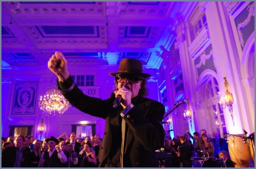 Firmenfeier im großen Saal im Kempinski Hamburg mit Udo Lindenberg Double Karsten Bald
