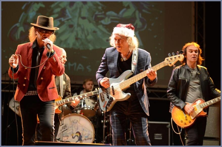 Udo Lindenberg Double Karsten Bald mit Steffi Stephan & Jörg Sander on stage bei Weihnachten a la Panik 2017 Bild 3 / 4